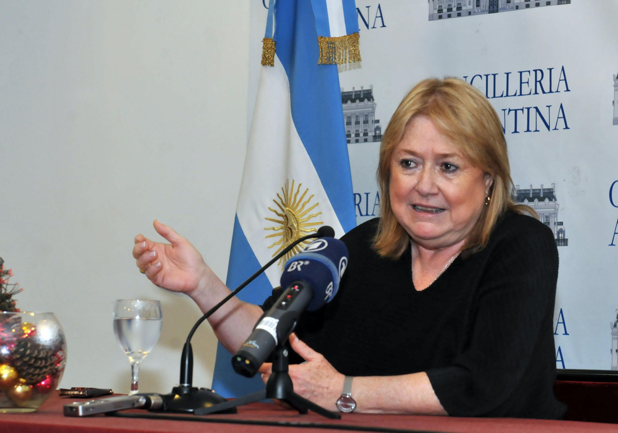 Ministra argentina espera que culmine tormenta de discusiones en
