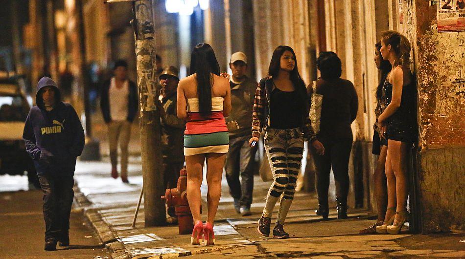 Calles de Cúcutas se inundan de prostitutas venezolanas que huyeron de la crisis